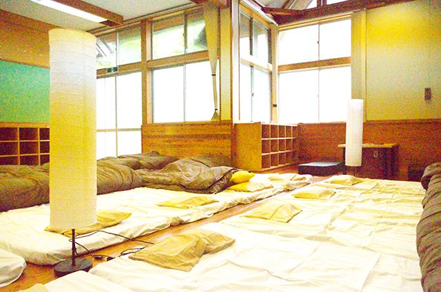 宮地東小学校 寝室