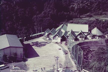 宮地東小学校当初全体写真