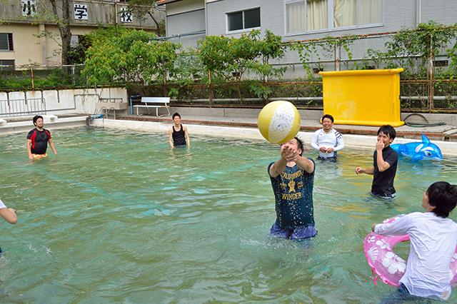宮地東小学校 プール遊び