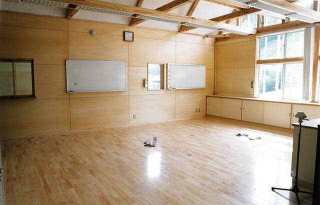 宮地東小学校 職員室